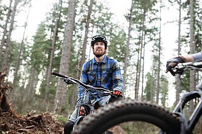 ツーリングにあると便利!ロードバイクにおす...|ロードバイク