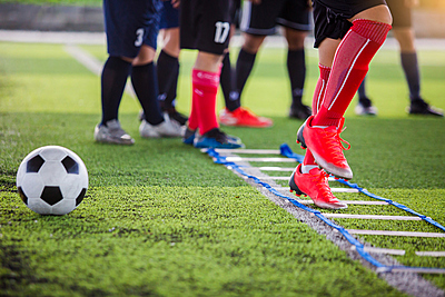 俊敏性向上に有効なラダートレーニング!2種...|サッカー