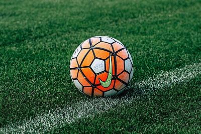 サッカーボールの大きさや種類を知ろう!|サッカー