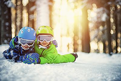 コスパ◎!激安おすすめキッズ用スキーウェア10選 スキー