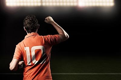 【サッカー】MF(ミットフィルダー)の意味...|サッカー