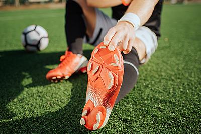 【徹底解説】サッカー選手がすべきストレッチ...|サッカー