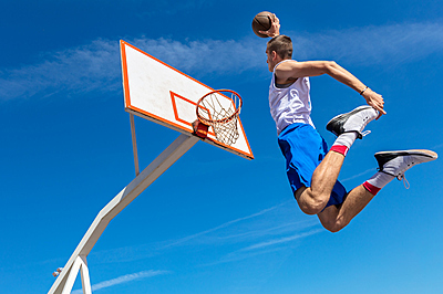 自宅で練習できる!家庭用バスケットゴールの...|サッカー