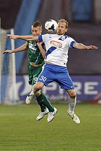 胸トラップをミスしてしまうサッカー選手の特徴|サッカー
