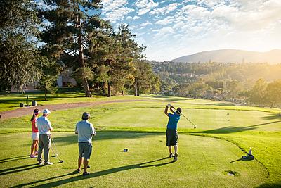 ゴルフのダウンスイングのコツを動画つきで解... ゴルフ