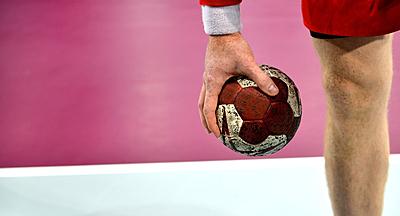 ハンドボールのゲームパンツの選び方と人気お...|ハンドボール