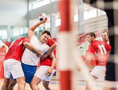 ハンドボールのポストの役割と練習法を解説!|ハンドボール