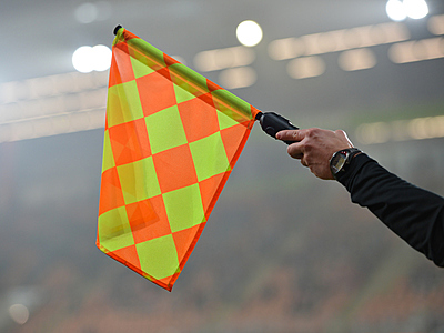 サッカールールの難関!2種類のオフサイドに...|サッカー
