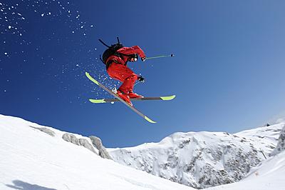 フリースタイルスキーとは?必要用具や初心者...|スキー
