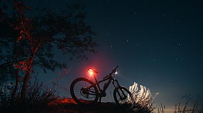 マウンテンバイク用ライトの選び方とおすすめ... マウンテンバイク
