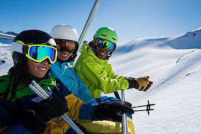 スキーウェア人気おすすめ10選!機能性も重視! スキー