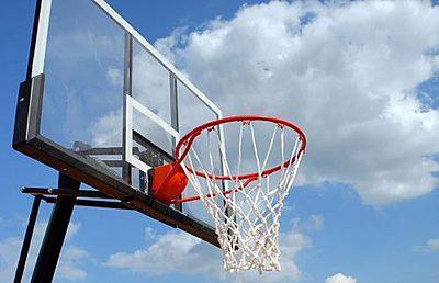 バスケのセンターについて徹底解説!|バスケットボール