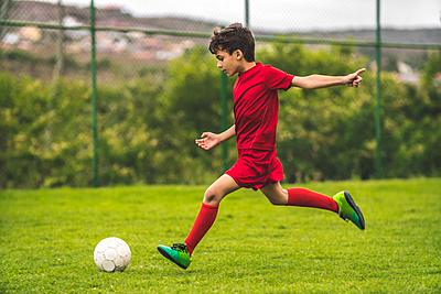 【初心者・小学生向け】1人でサッカーの練習...|サッカー