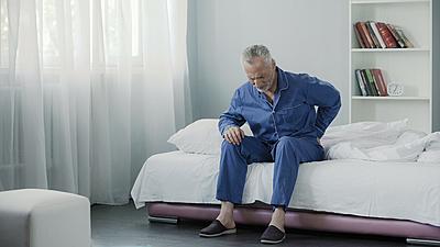 足のしびれがある腰痛は坐骨神経痛?注意した...|その他