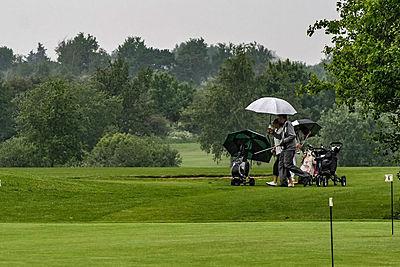 【初心者向け】ゴルフのレインウェアの選び方...|ゴルフ