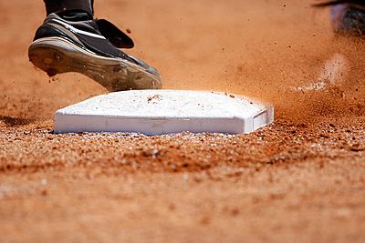 人気おすすめのソフトボールの金具スパイクを紹介!|ソフトボール
