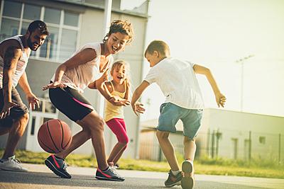 バスケの練習メニューやコツを徹底解説|少人...|バスケットボール