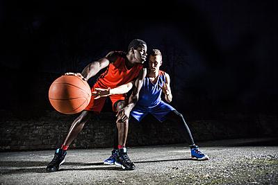 バスケのディフェンスの重要性とうまくなる8...|バスケットボール