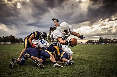 アメフトのヘルメットの選び方と人気おすすめ... アメリカンフットボール