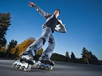 インラインスケートをうまく滑るためのコツは...|インラインスケート