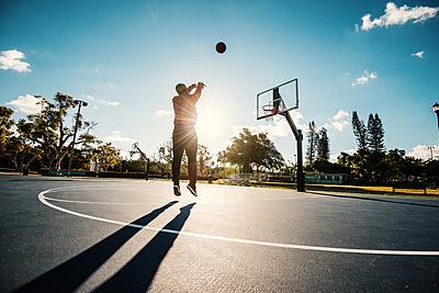 正しいフォームで覚えよう!バスケのジャンプ...|バスケットボール