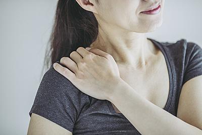 四十肩の特徴やツボ、効果的な治し方やストレ...|その他