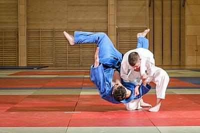 柔道の足技!小外刈りの特徴と様々な練習方法... 柔道