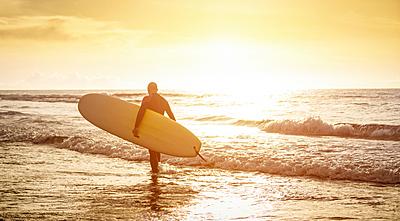 初心者におすすめのサーフィンロングボードを...|サーフィン
