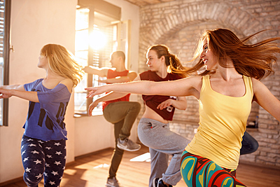ダンス初心者が取り組むべき3つの基礎練習と...|ダンス