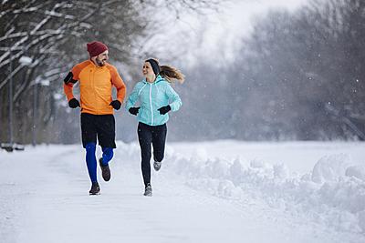 【最高の寒さ対策】モンベルの冬用ランニング...|ランニング