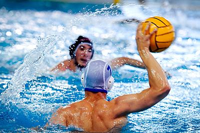 破壊力抜群!水中の格闘技『水球』のルールを...|水球