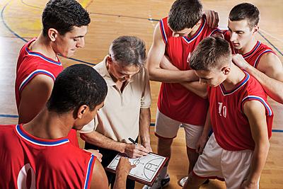 バスケットボールのオフェンスの動き方と5つ...|バスケットボール