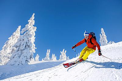 【ラング】のスキーブーツ!特徴や評価を徹底紹介! スキー