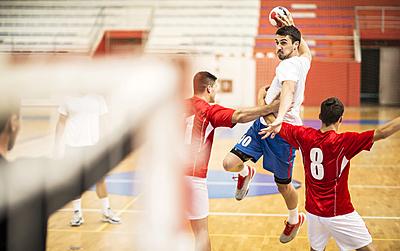 ハンドボールのドリブルのルールと練習法を解説!|ハンドボール