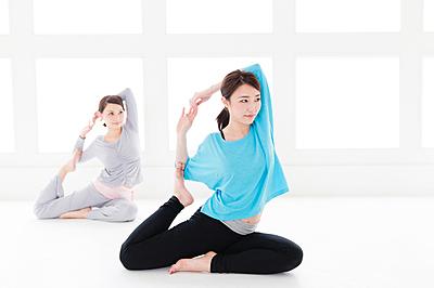 ヨガ服装の人気おすすめ10選を紹介!|ヨガ
