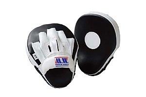 ボクシングミットの選び方と人気おすすめ10選|ボクシング