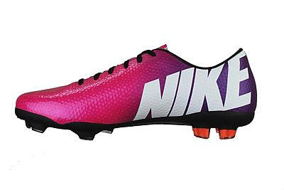 【ピンク好き必見!】ピンク色のサッカー用ス... サッカー