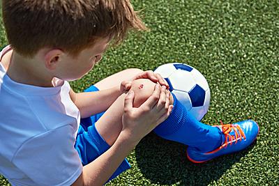 【徹底解説】サッカー少年が悩むオスグッド病...|サッカー