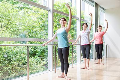 バレエのストレッチ効果とやり方や種類を徹底...|バレエ