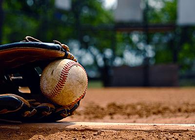 カーブの投げ方や握り方・腕の振り方を徹底分...|野球