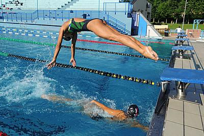水泳のメドレーリレーに関する疑問を解説!こ... 水泳
