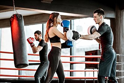 女性 キック ボクシング