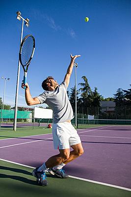 サーブ テニス
